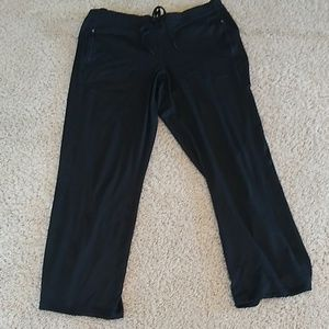 Black athletic pants with pockets. XL
